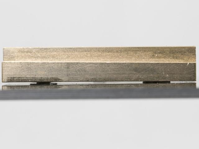 RC-MISSION FF75-XT02GH 7075it 真鍮バッテッリープレート【27g/XRAY T4用】