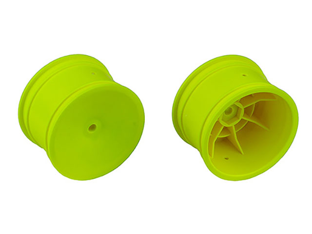 ASSOCIATED 9696 2WD/4WD Rear Wheels, 2.2 in, 12 mm Hex, yellow